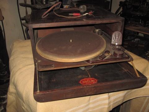 Braun Schallplattenspieler um 1935 Geöffnet