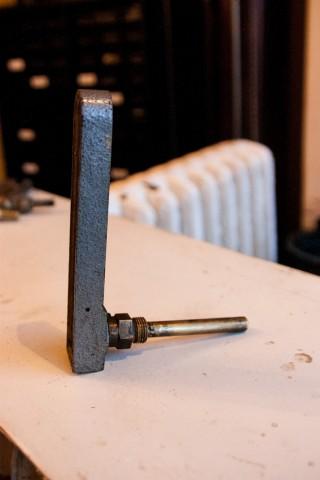 Kachel Thermometer Eckform Seitenansicht