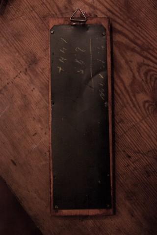 Zimmerthermometer aus Holz Rückansicht