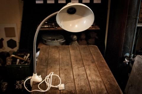 Tischlampe von Kaiser Idell Seite