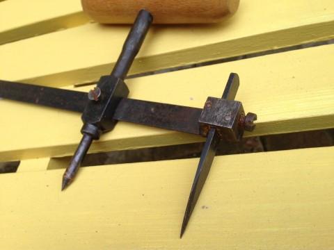 Scheibenschneider Ringschneider Schnei/Anreißzirkel Detail