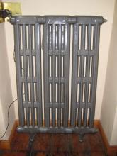 Buderus Wandradiator Gußeisen für Bad und Flur